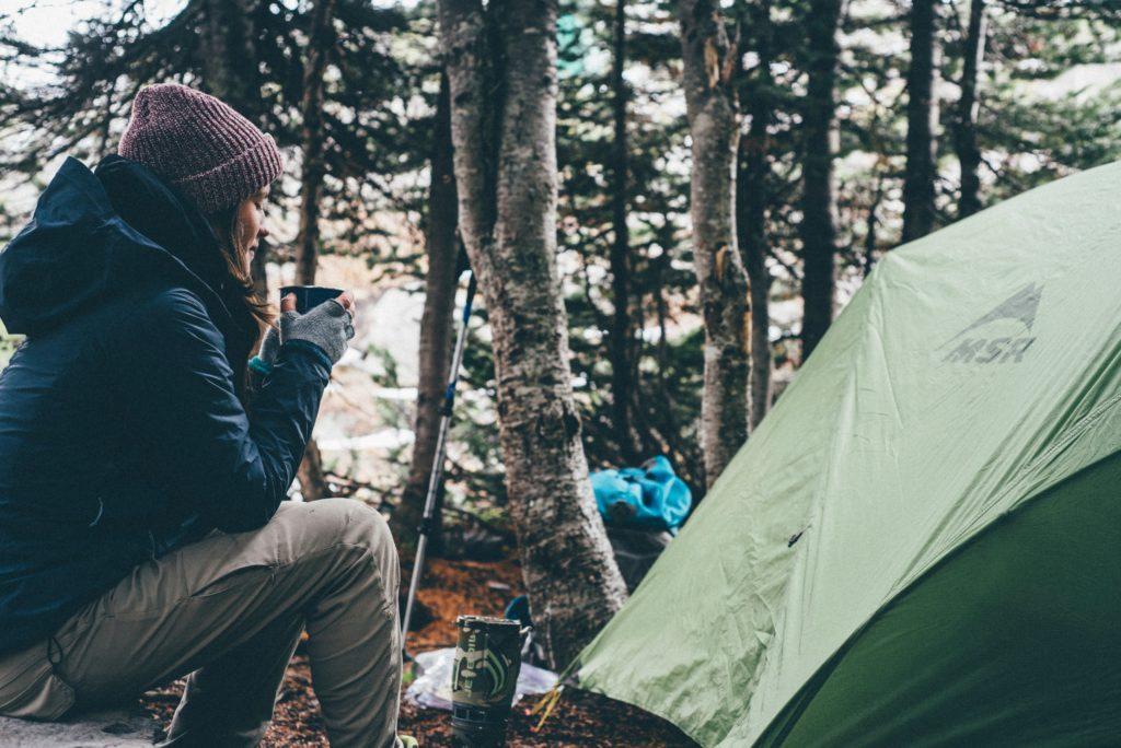 Disfrutando de la serenidad del monte mientras me tomo un te